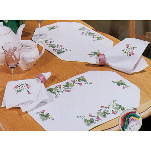Tobin Ivy Vine Stamped Placemats & Napkins For Embroidery