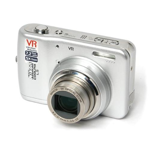 COOLPIX L5 Compact Digital Camera 5X Optical Zoom VR w/2....