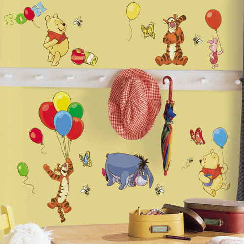Winnie the Pooh - Pooh and Friends Peel and Stick Wall Decals