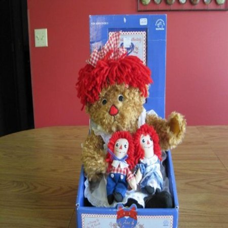 Raggedy Ann & Andy with a Special Friend ()