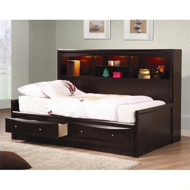 Bowery Hill Full Day Bed in Cappuccino by