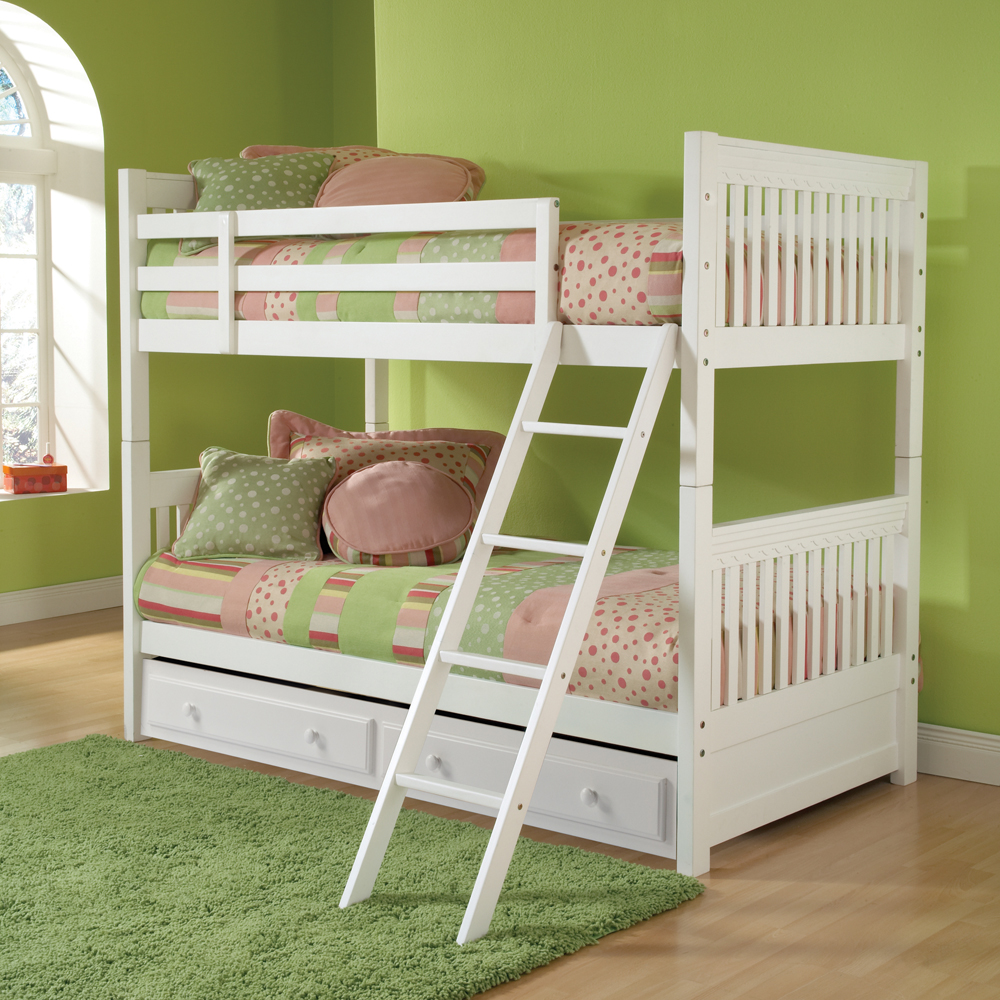 Hillsdale Lauren Bunk Bed W/ Trundle/ Storage In White   (Twin Over Full