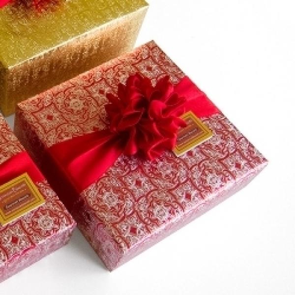 2017 Valentine Gift Box Biscotti W  Imported Chocolate by