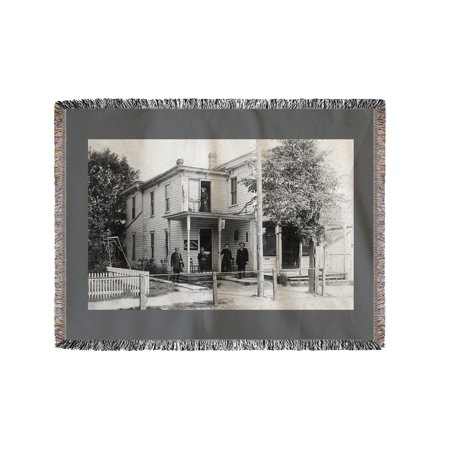 Magnetic Springs, Ohio - Exterior View of the Post Office (60x80 Woven Chenille Yarn