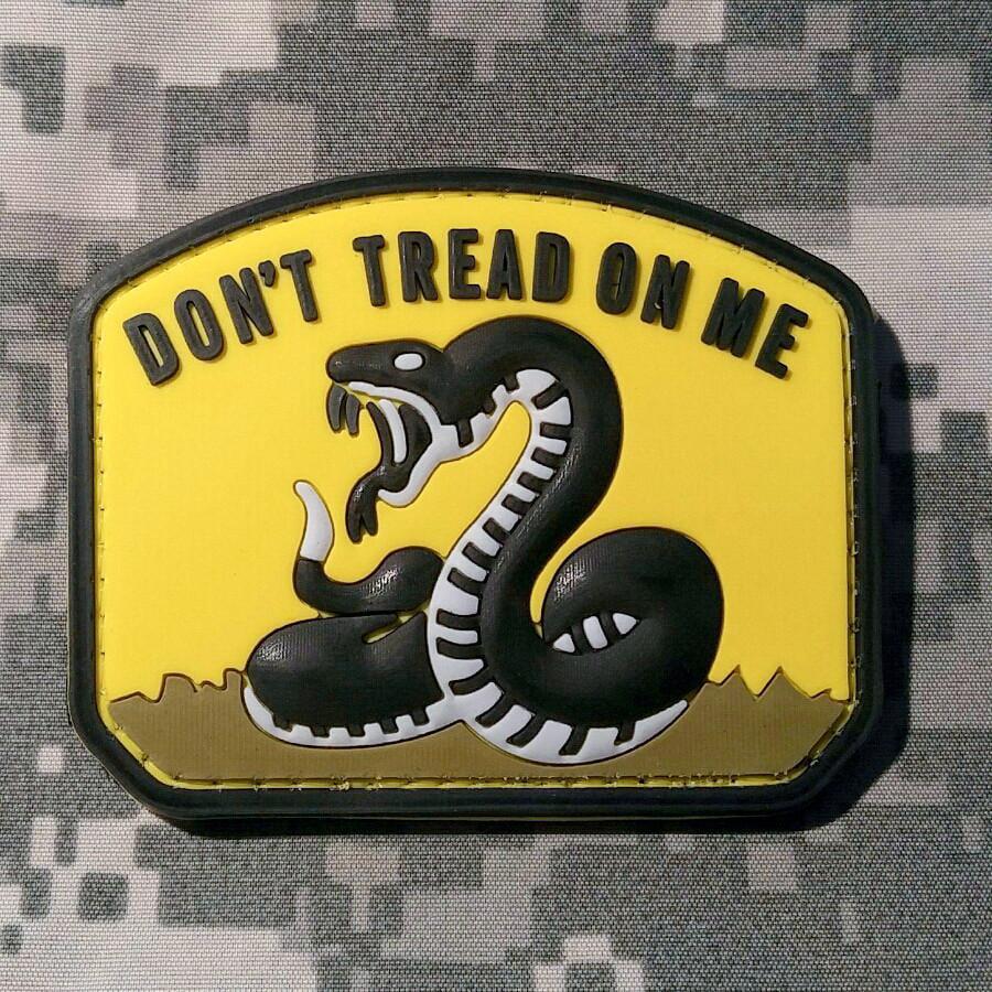 PVC Don/'t Tread On Me Hook-Back Morale Patch