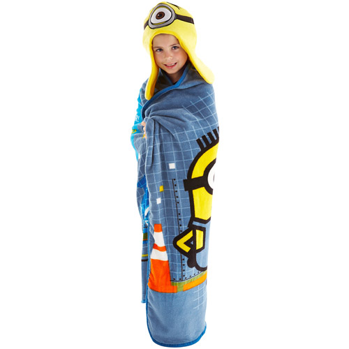 Universal Minions Hoodiwink Cozy Hat and Throw Wrap Set