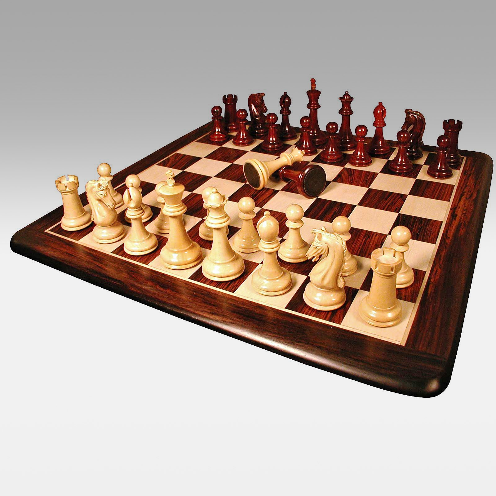 Amare Bud Rosewood Chess Set