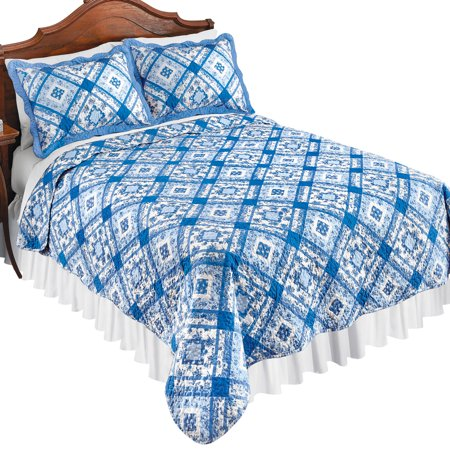 Blue and White Diamond Floral Microfiber Patchwork Quilt with Scalloped Edges - Spring Bedding Accent, Twin, Blue Multi