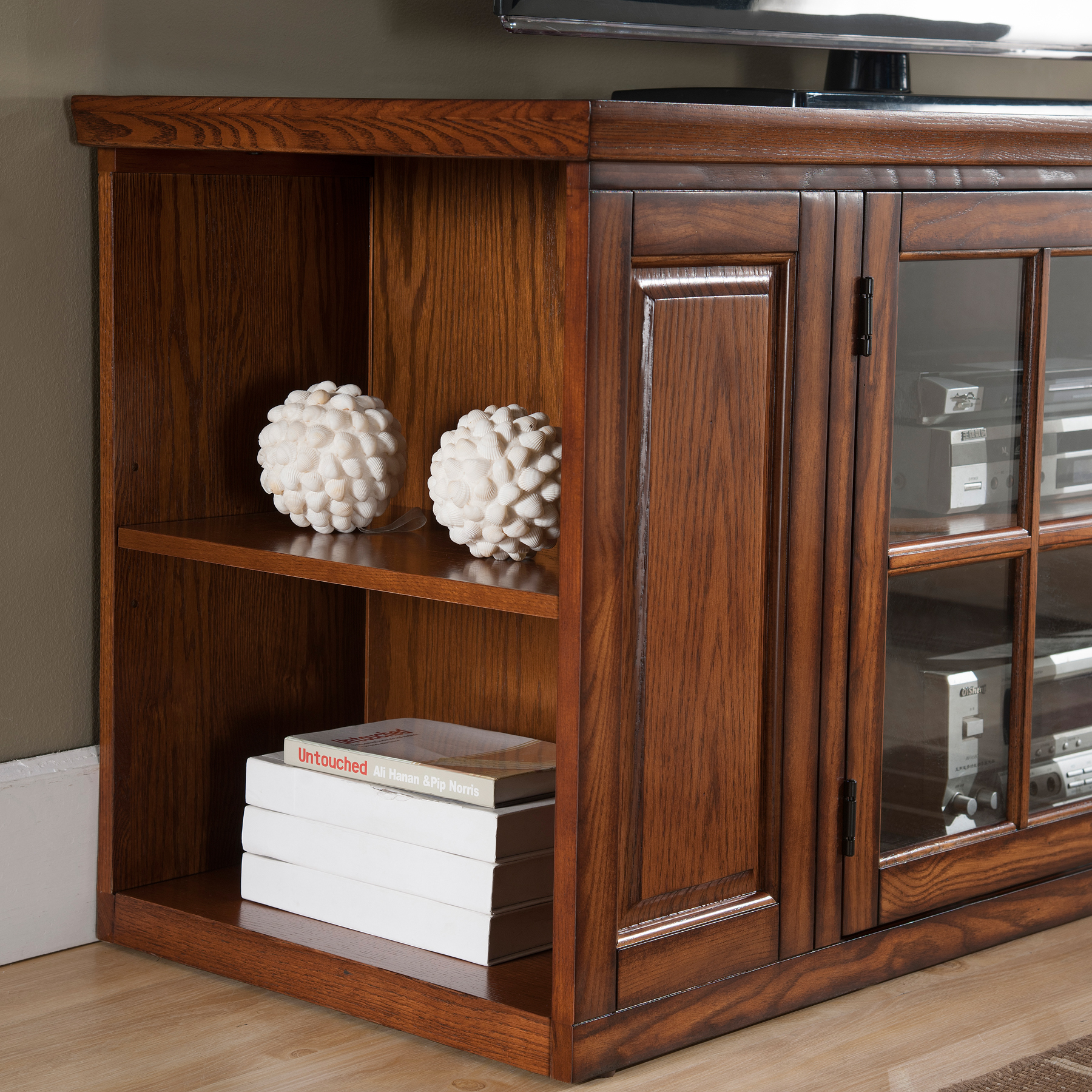 Leick Home Riley Holliday 62 Tv Stand W Storage For Tv S Up To 65