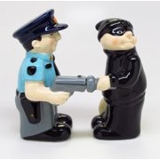 Cop and Robber Attractives Salt Pepper Shaker Made of Ceramic