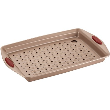 Rachael Ray Cucina Nonstick Bakeware 2-Piece Crisper Pan Set, Latte Brown with Cranberry Red Handle