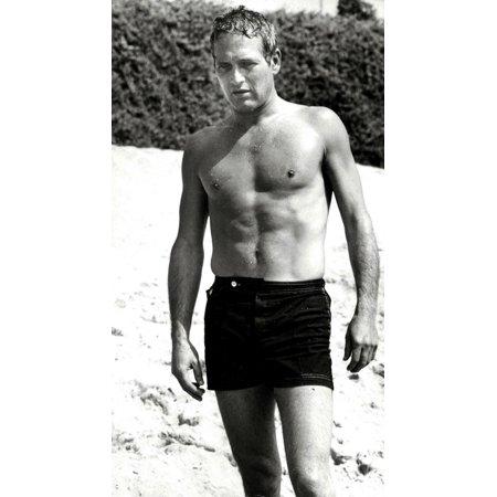 Paul Newman shirtless at a beach Photo Print