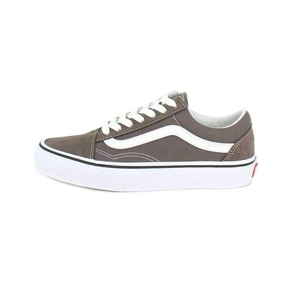 020e140f3494a4 Vans VN-0A38G1UKW  Womens Old Skool Falcon True White Sneakers (5.5 B(M) US  Women)