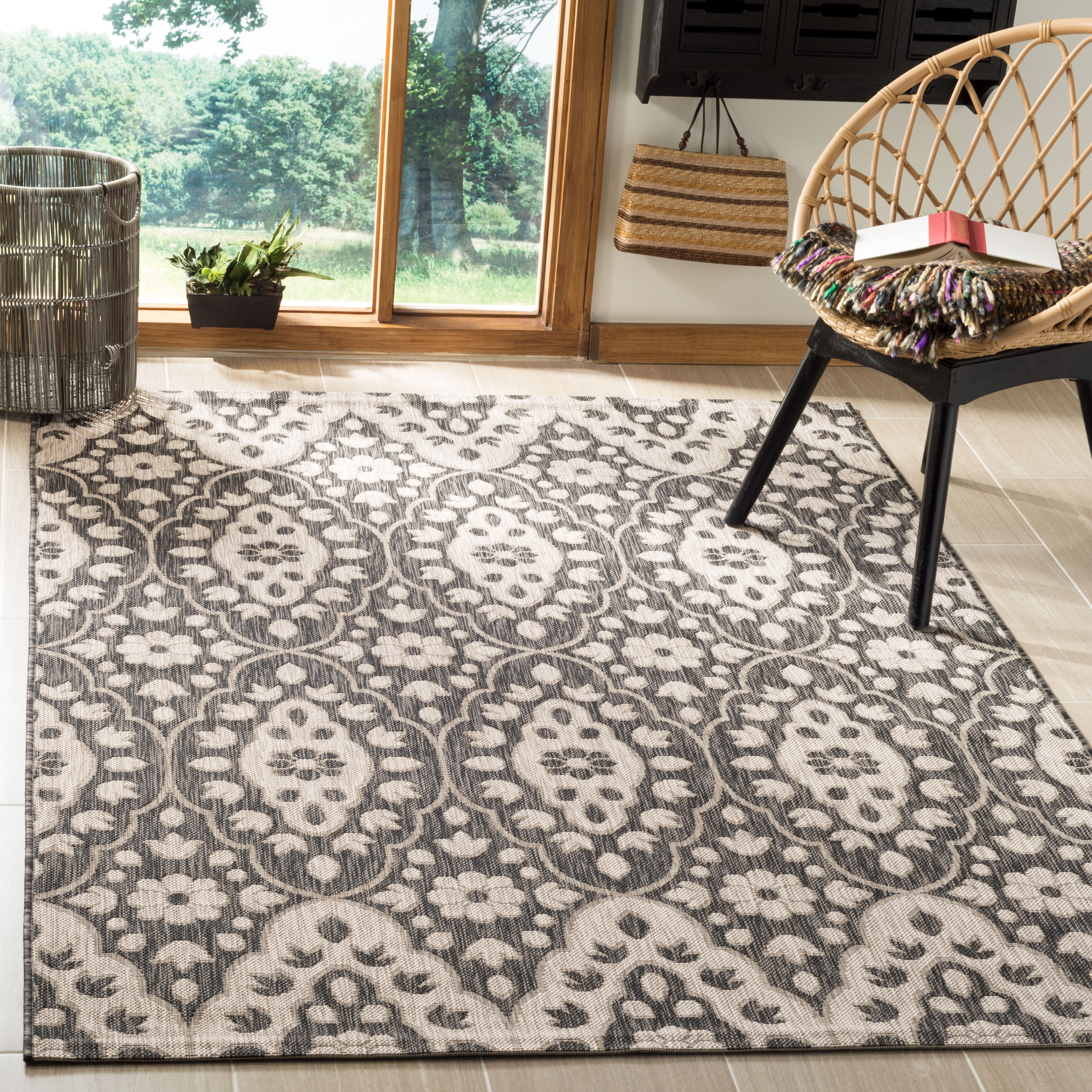 Safavieh Martha Stewart Stacy Tulip Medallion Indoor/Outdoor Area Rug