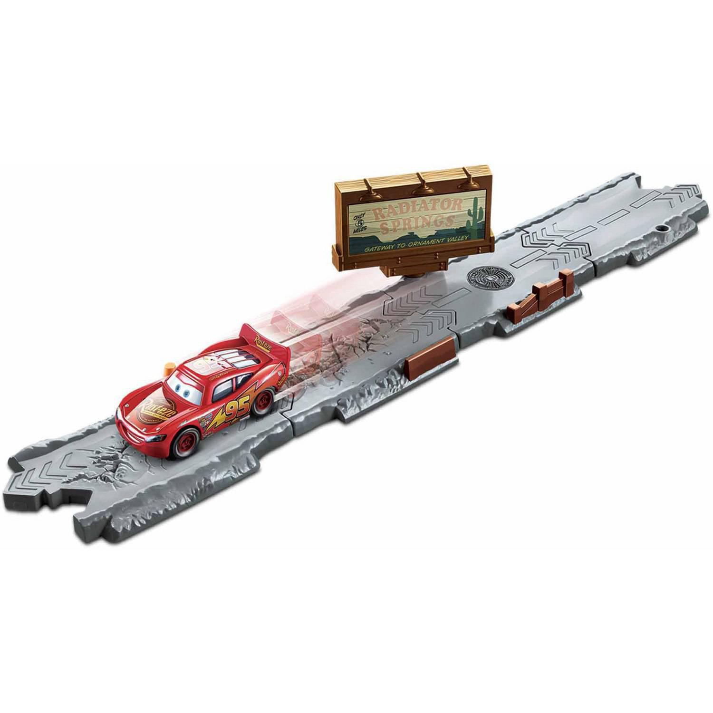 Disney/Pixar Cars Radiator Springs Track Pack & Accessories