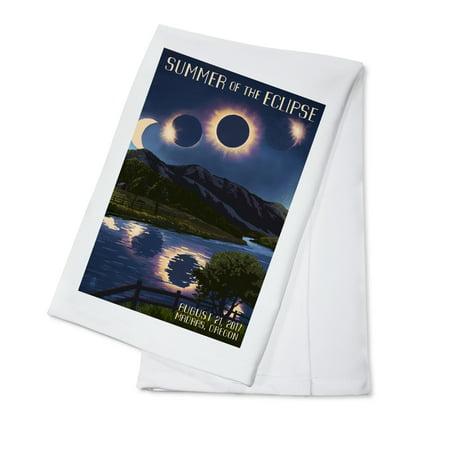 Madras, Oregon - Solar Eclipse 2017 - Summer of the Eclipse - Lantern Press Artwork (100% Cotton Kitchen Towel)](Deep Dish Halloween 2017)
