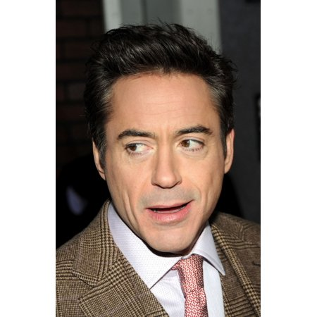 Robert Downey Jr At Arrivals For Sherlock Holmes Premiere Alice Tully Hall At Lincoln Center New York Ny December 17 2009 Photo By Desiree NavarroEverett Collection Celebrity