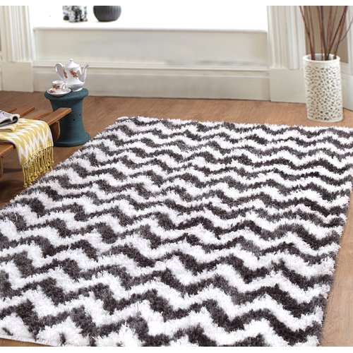 Affinity Linens Hand-Woven White/Black Area Rug