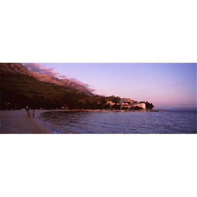 Images panoramiques PPI133123L touristes sur la plage de Makarska Dalmatie Croatie copie d'affiche par images panoramiques - 36 x 12 - image 1 de 1