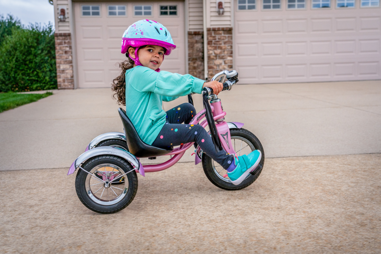 Schwinn Roadster Retro Style Tricycle 12 Front Wheel Ages 2 4 Pink Walmart Com Walmart Com