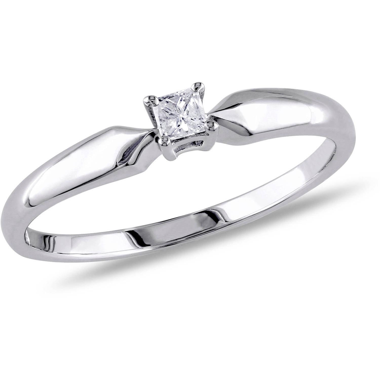 Boyfriend Bought Cheap Engagement Ring