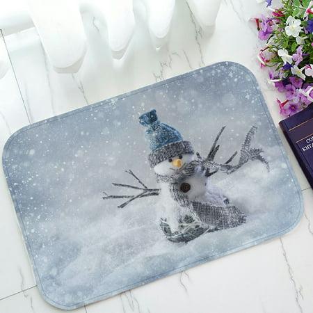 PHFZK Winter Holiday Doormat, Cute Smiling Snowman Snowflake Christmas Doormat Outdoors/Indoor Doormat Home Floor Mats Rugs Size 23.6x15.7 inches Holiday Floor Mat