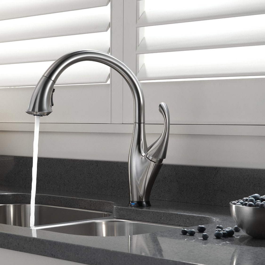 Delta Addison Touch Activated Kitchen Faucet with Pull-Down Spray ...