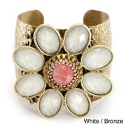 Sweet Romance  Daisy Flower Retro Lucite Hammered Cuff Bracelet