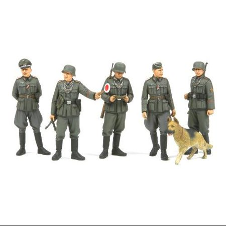 35320 1/35 WWII German Field Military Police Set (Wwii German Insignia)