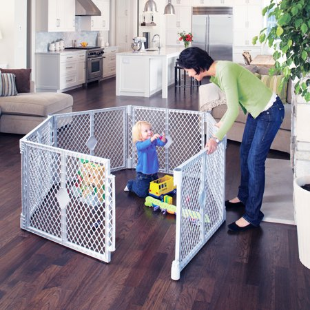 Toddleroo by North States 6 Panel Superyard Portable Indoor Outdoor Playard