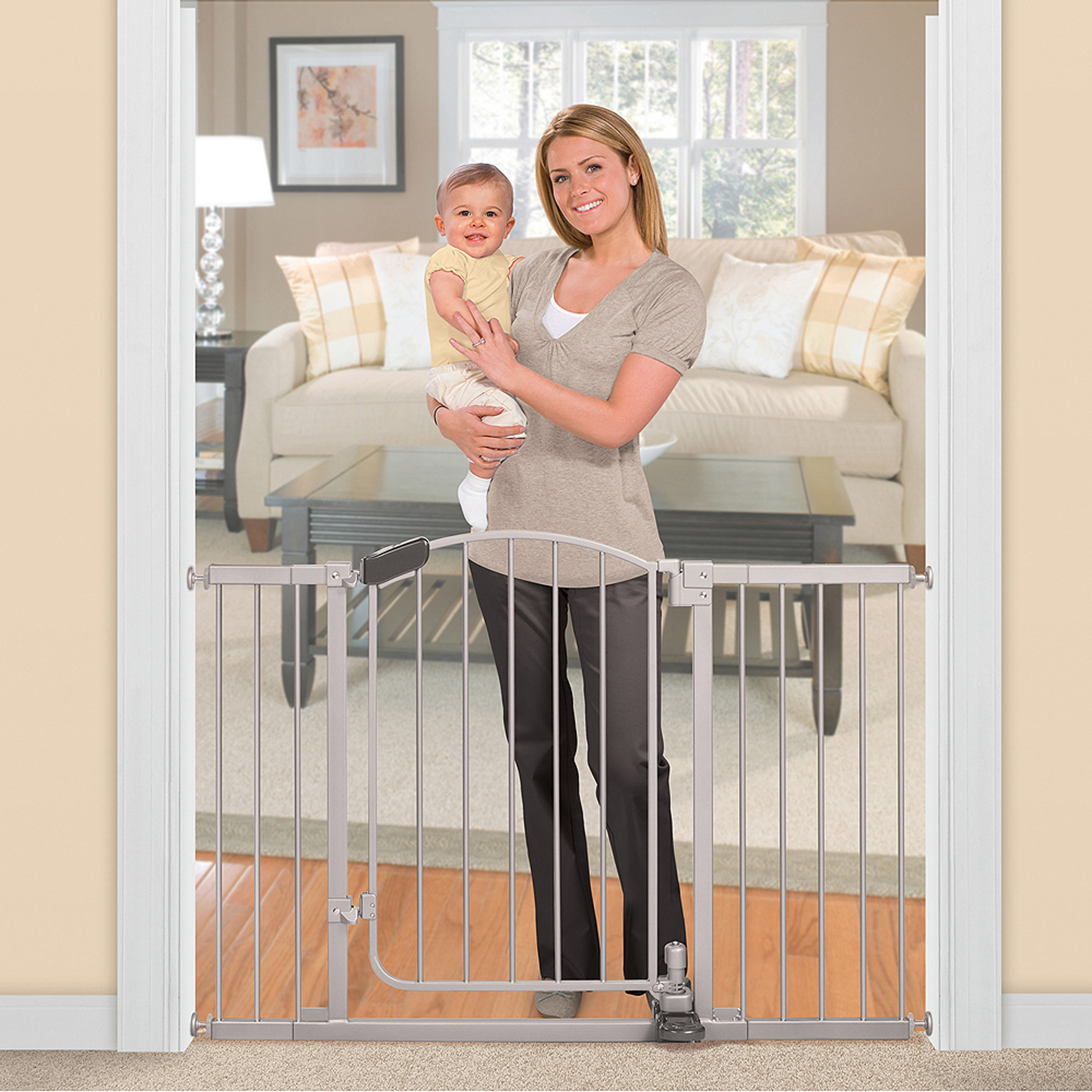 "Summer Infant Metal Baby Gate, 30""-45"" with Walk Through Door"
