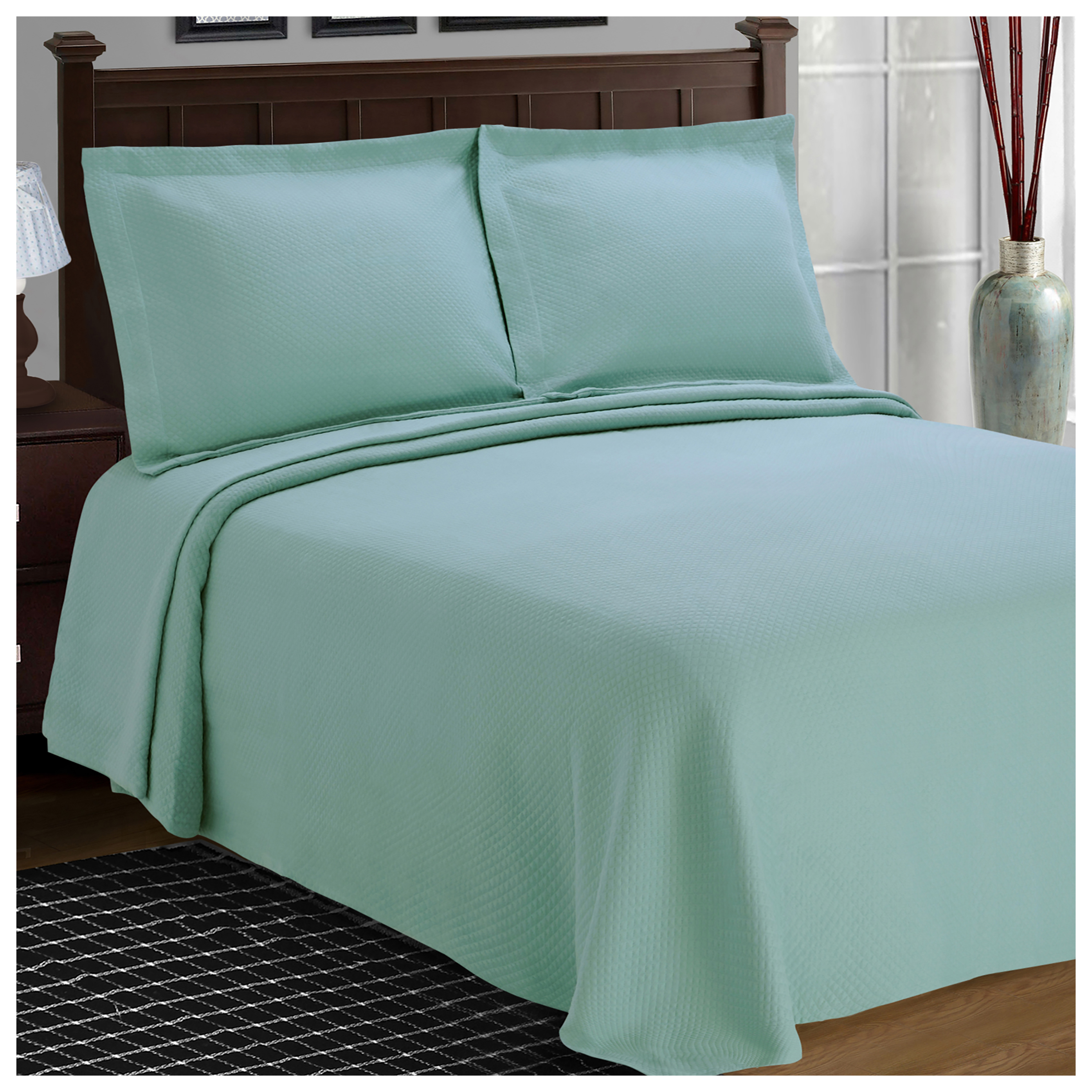 Superior 100-Percent Cotton Solitaire Matelasse Bedspread