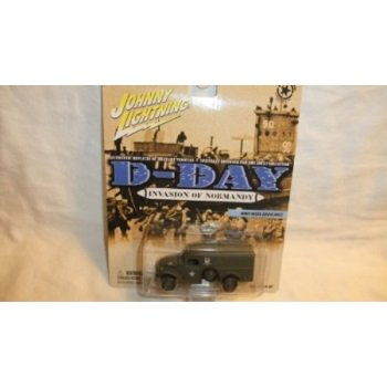 Wwii Replica (JOHNNY LIGHTNING D-DAY INVASION OF NORMANDY WWII WC54 AMBULANCE DIE-CAST REPLICA )