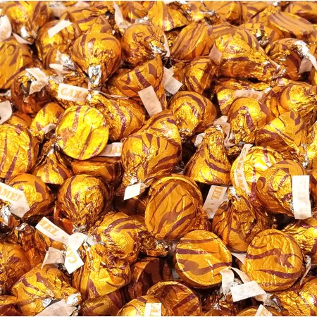 Hershey's Kisses , Milk Chocolate with Caramel, Gold Foils (Pack of 2 Pound)](Chocolate In Gold Wrapping)