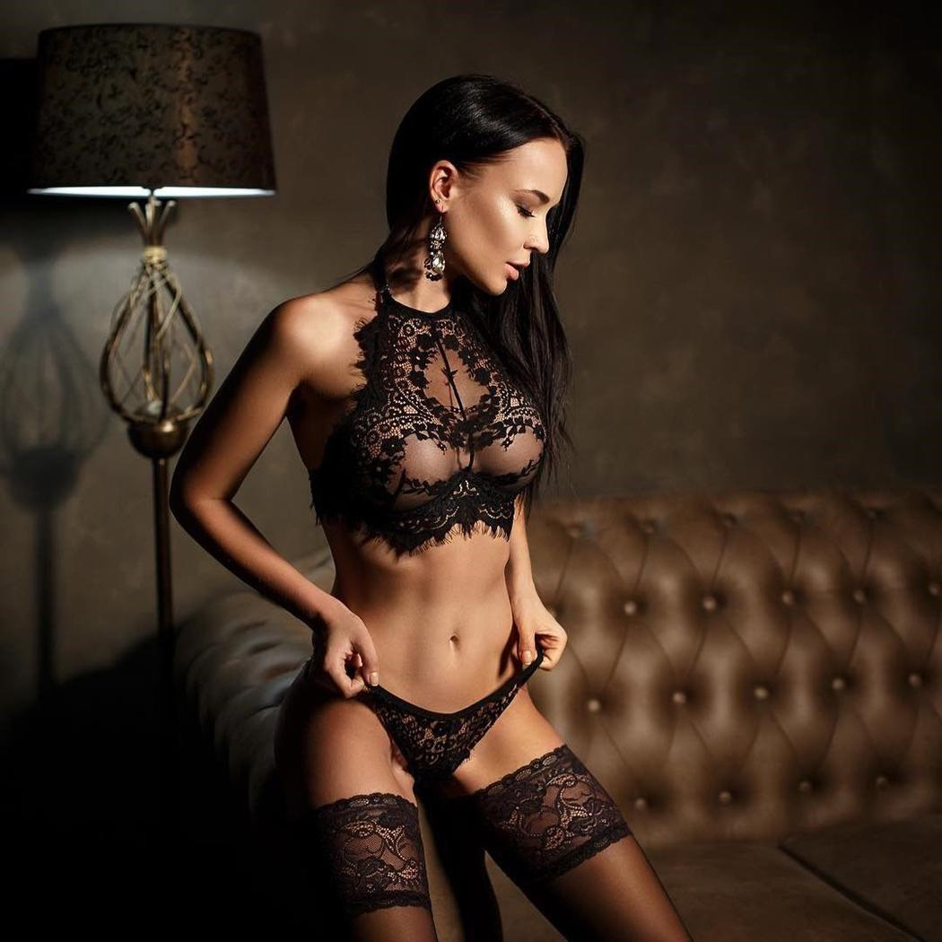 Sexy See Through Lace Patchwork Halter Sleeveless Soft Lingerie Sets Tank Tops with G-String for Women CCGE