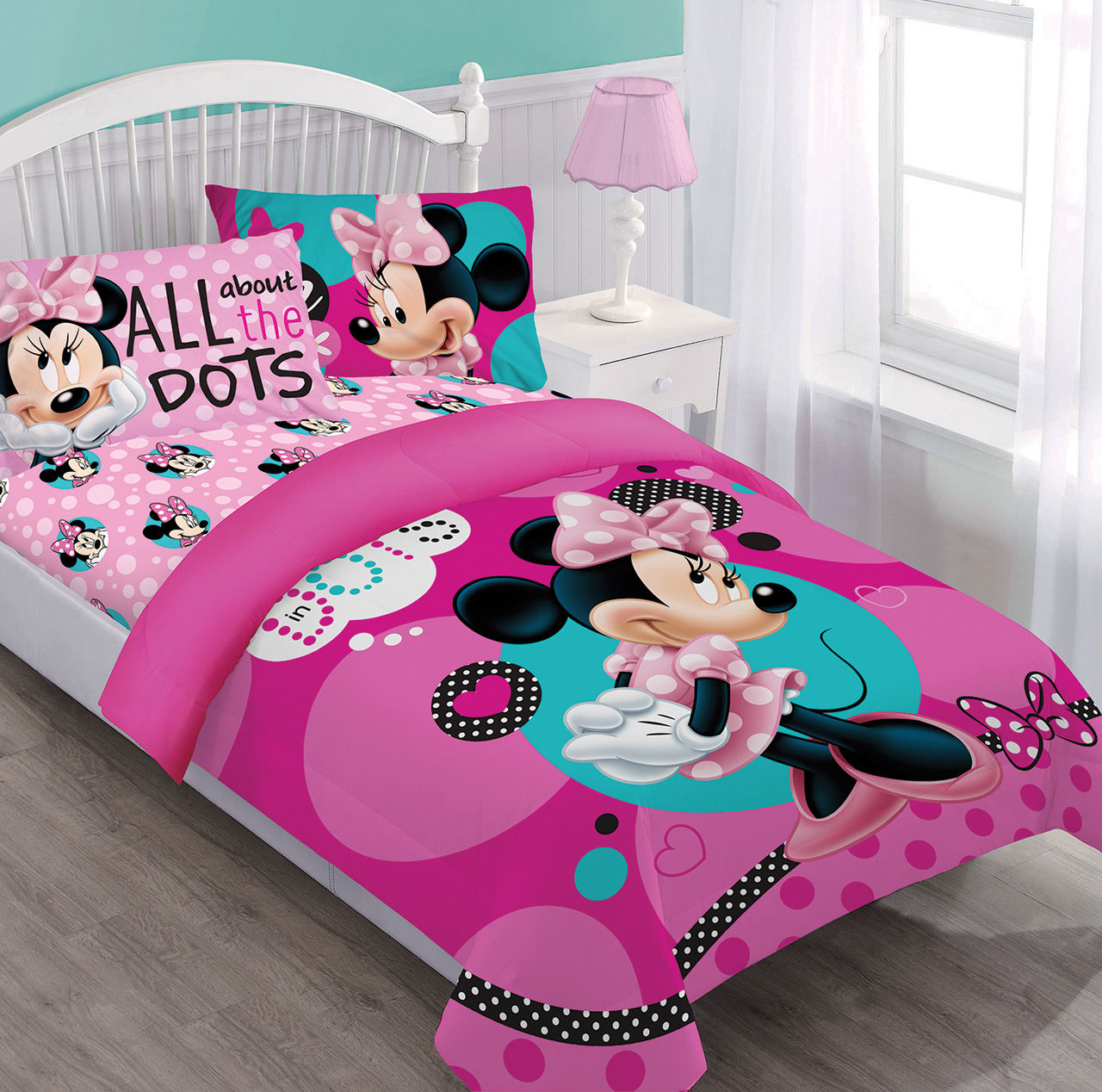 Disney Minnie Dreaming in Dots Twin Comforter Set w/Fitted Sheet