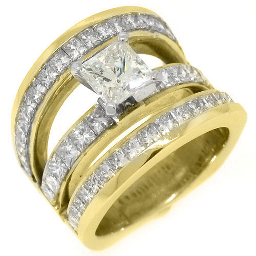 18k Yellow Gold 5.77 Carats Princess Cut Diamond Engagement Ring