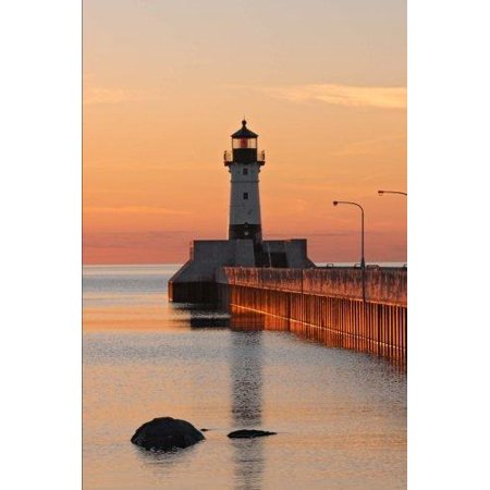 Duluth Harbor (Great Lake Harbor Lighthouse in Duluth Minnesota at Sunset Journal: 150 Page Lined Notebook/Diary)