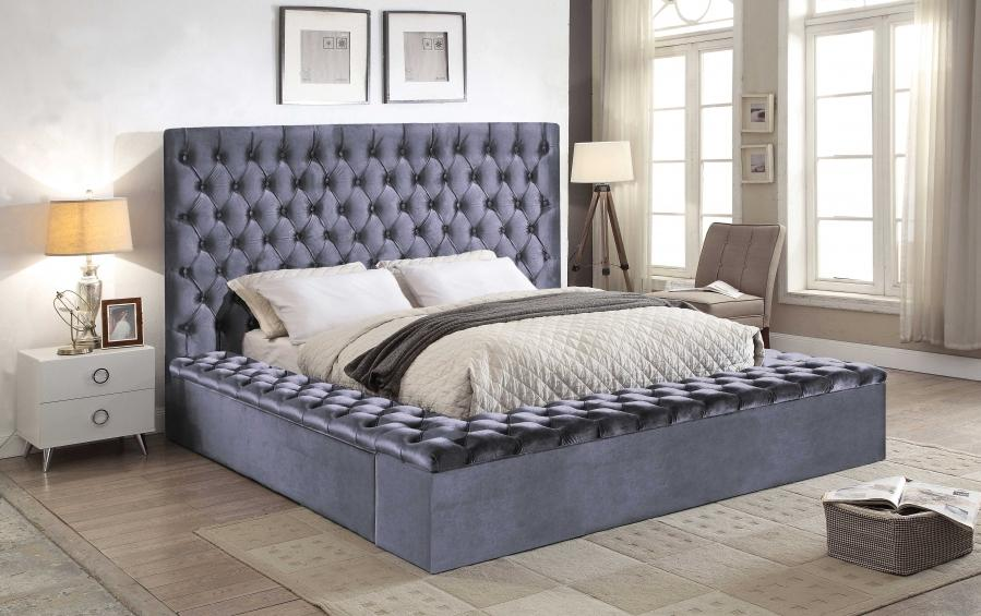 Etonnant Meridian Furniture Bliss Traditional Grey Velvet Queen Size Storage Bed
