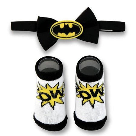 DC Comics Baby Boys Batman Character Bow Tie and Socks Gift Set, Black and White, Age (Dc Comics Gifts)