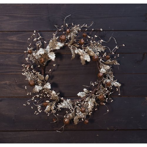 Darby Home Co 20'' Holly and Bells Wreath