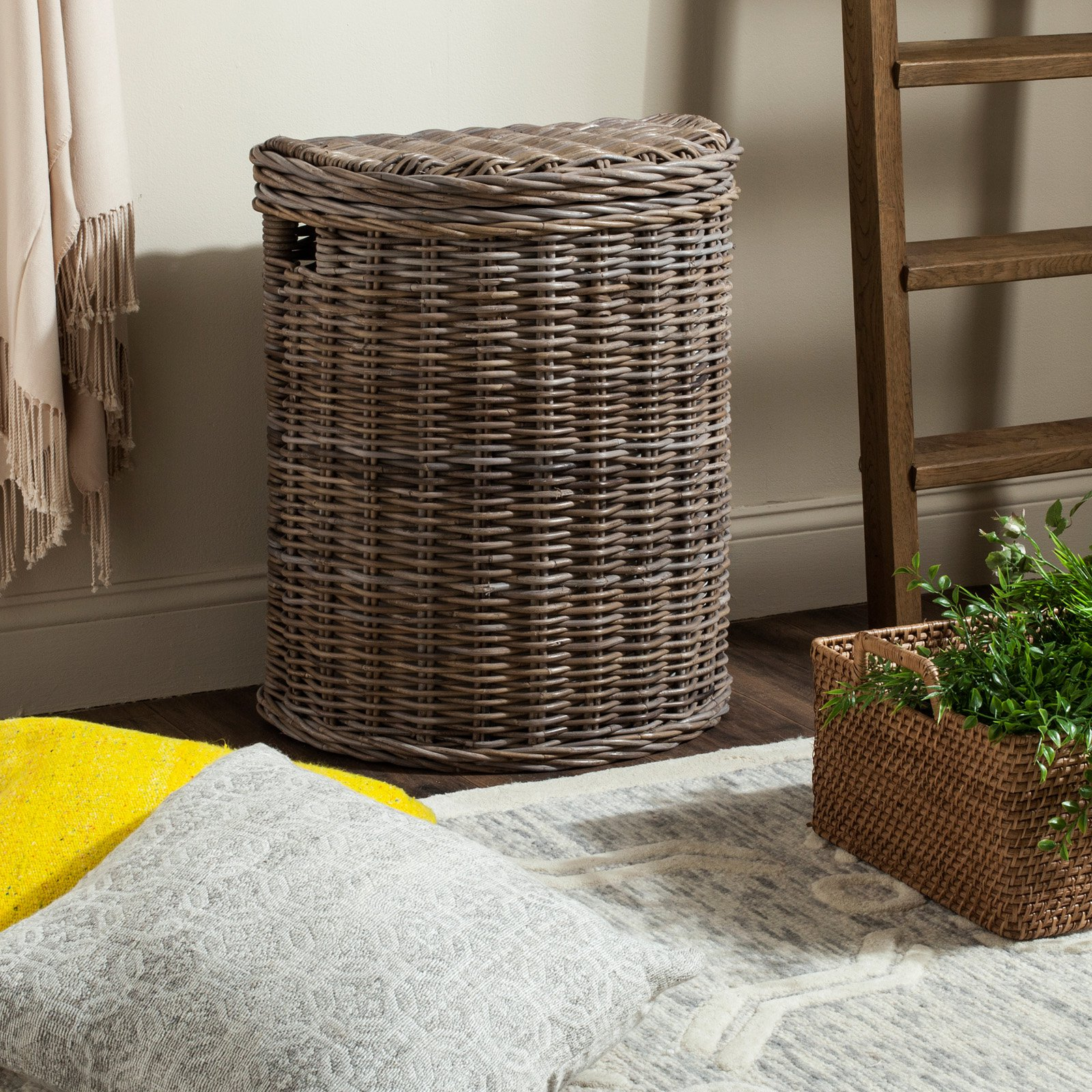 Safavieh Damari Wicker Laundry Hamper