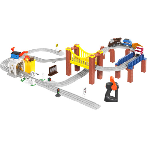 Lionel Little Lines Hershey's Playset Train Set