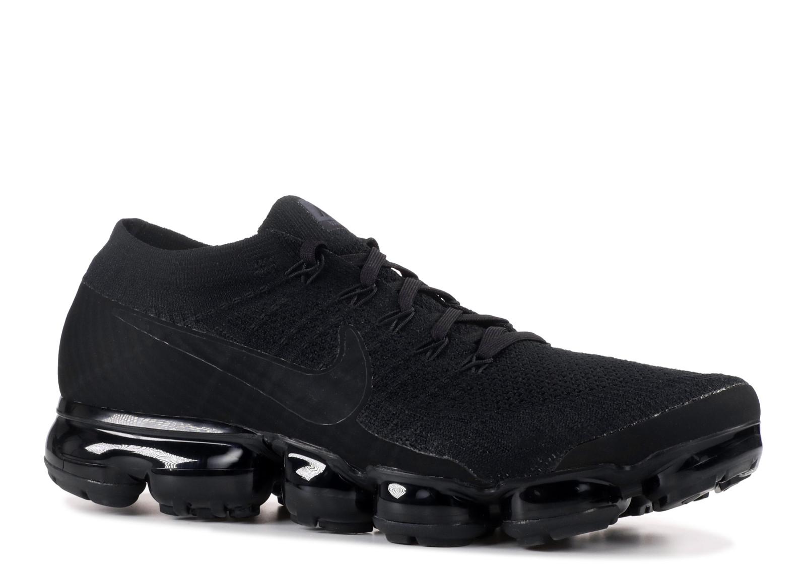 Nike Air Vapormax Flyknit 'Triple Black