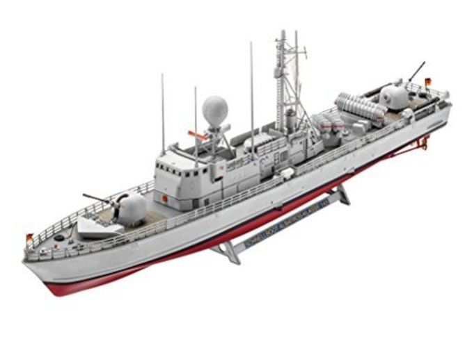 Revell 05148, Fast Attack Craft Albatros Class 143, 1:144 Scale plastic model by Revell
