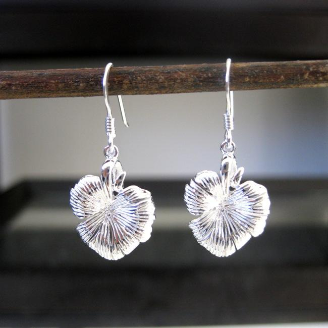 Sterling Silver Lily Pad Earrings (Thailand)