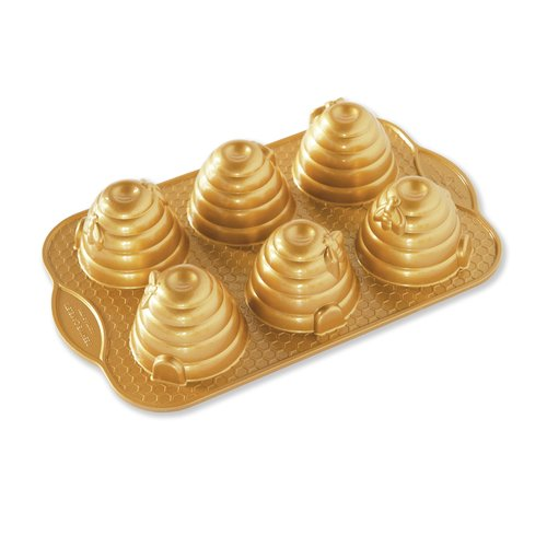 Nordic Ware Non-Stick Novelty Beehive Cake Pan