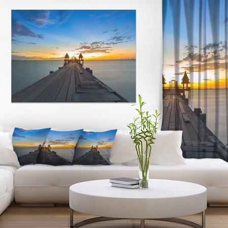 Long Wood Pier Leading to Colorful Sea - Sea Bridge Canvas Art Print - image 1 de 1