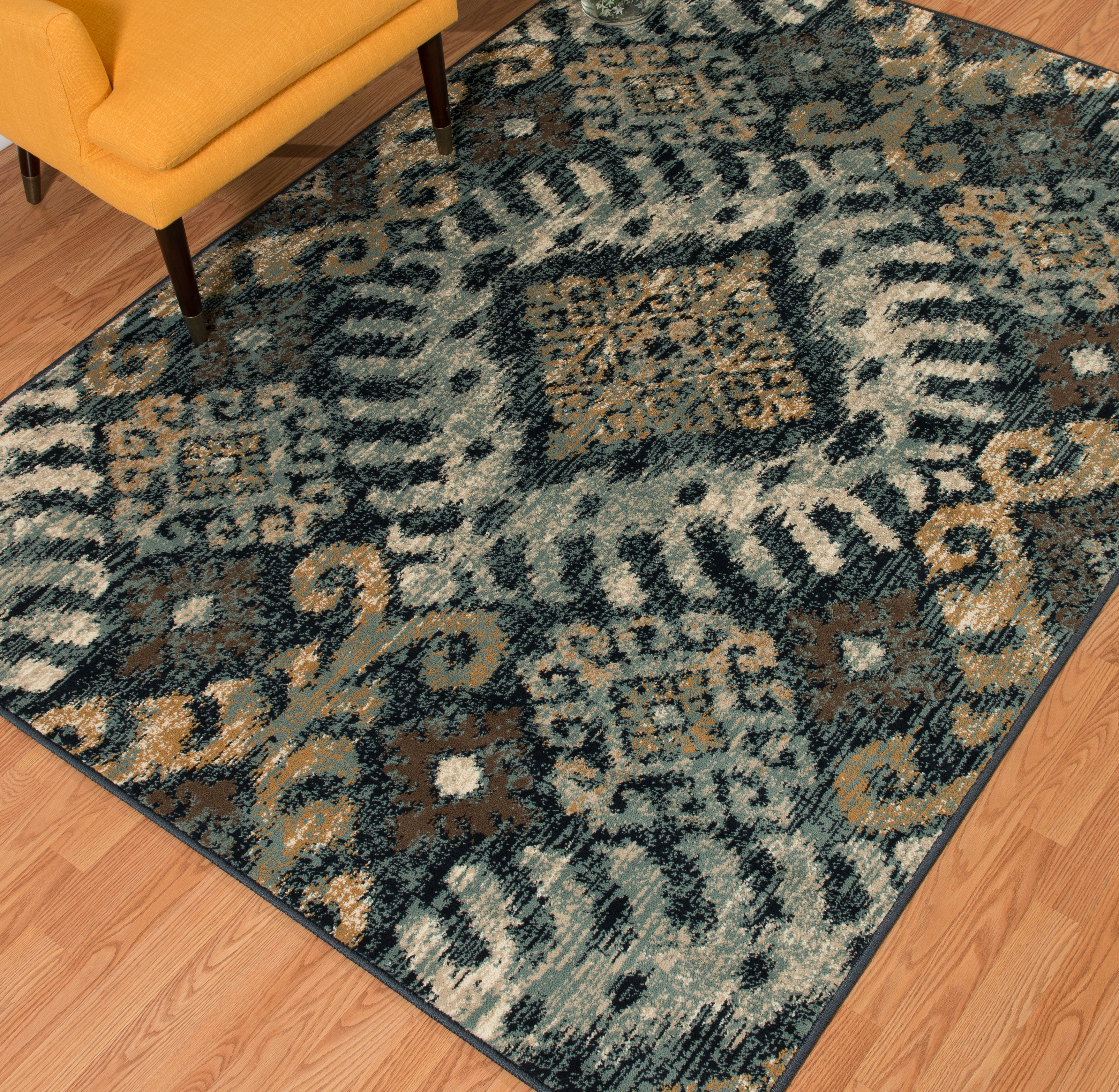 United Weavers Amarna Verazanno Distressed Navy Woven Olefin Area Rug or Runner