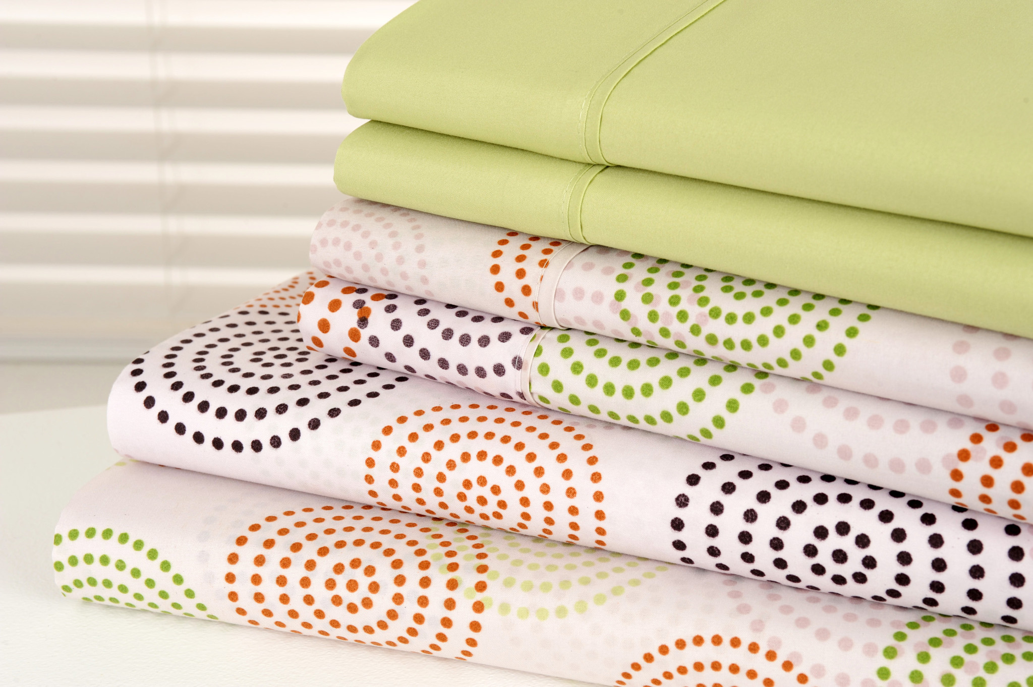 Venetian 1200 Count Soft Brushed Microfiber Organic Bed Sheets 6 Piece Set  Deep Pockets   12 Designs   Full / Green Dots